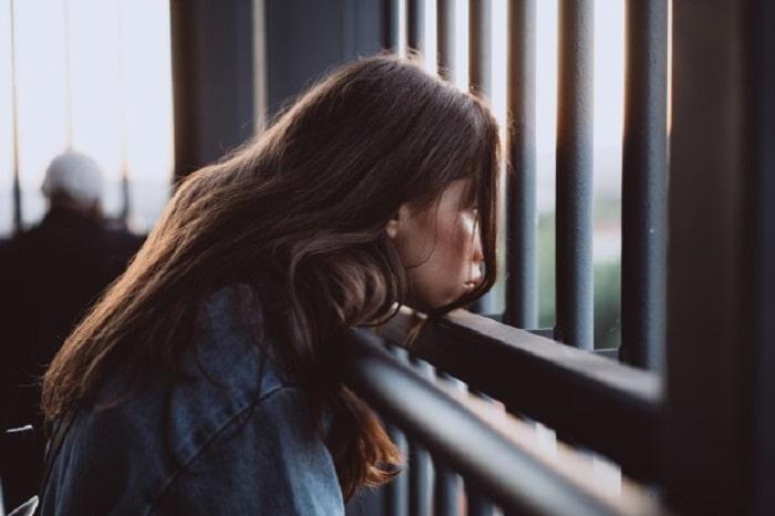 Реактивная депрессия: симптомы, последствия, первая помощь и эффективная самопомощь